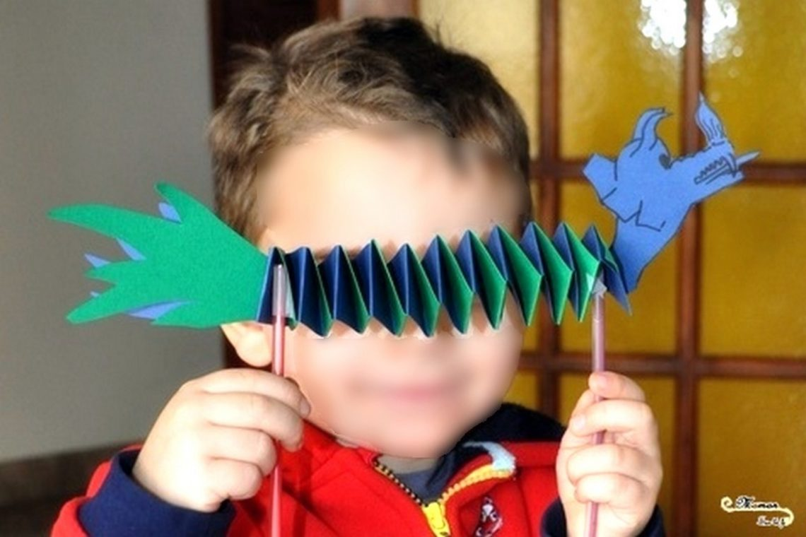 Fabriquer un dragon pour le nouvel an chinois - Bricolage DIY - activité manuelle - accordéon - collage - mslf