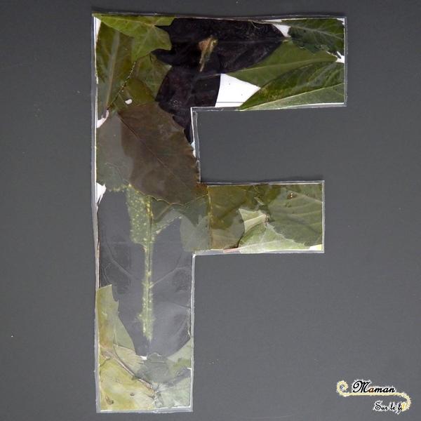 Abécédaire créatif - F comme feuilles et fleurs - activité manuelle enfants - empreintes à la pastel - marteau - collage nature - apprentissage lettres alphabet - maternelle - mslf