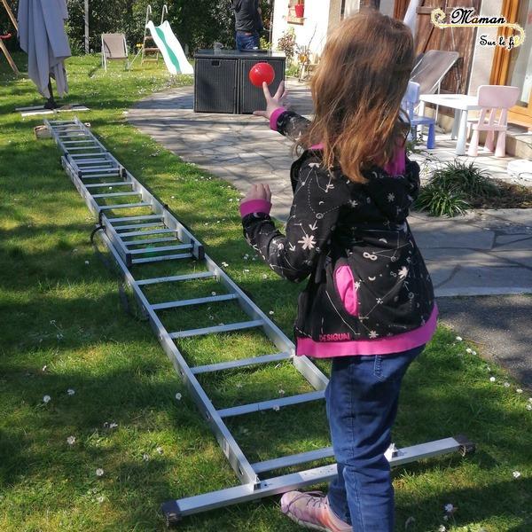 Activité physique enfants - Sport et motricité avec une échelle - déplacement, lancer de balles - précision et puissance - monter se dépasser - mslf