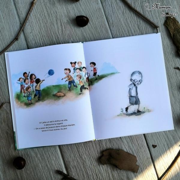 Livres Enfants - Nouveautés Maison éditions D'Eux - La petite bûche : humour et jeux de mots - Le garçon invisible : timidité, émotions, discrétion école - C'est à moi : partage et dispute - test et avis - mslf