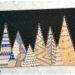 Activité manuelle enfant - Forêt de Sapins graphiques de nuit avec des cartons emballage de pizzas - Neige - Récup' recyclage surcyclage - découpage et collage - créative et manuelle - Arts visuels maternelle Noël et Hiver - mslf