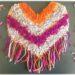 Activité créative enfants - Poncho mexicain en carton et laine collée - Découpage, collage, motricité fine, tissage - Amérique du Sud et Mexique - Laine et Fil - Découverte d'un pays - Espace et géographie - bricolage - arts visuels Cycle 2 et 3 - Eté - mslf