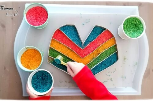 Activité créative enfants - Poncho mexicain en carton et riz coloré - Colore le poncho en transvasant le riz coloré dans les bandes - motricité fine, transvasement et créativité - Amérique du Nord et Mexique - Découverte d'un pays - Espace et géographie - bricolage et sensoriel - arts visuels et atelier maternelle et Cycle 2 - Eté - mslf