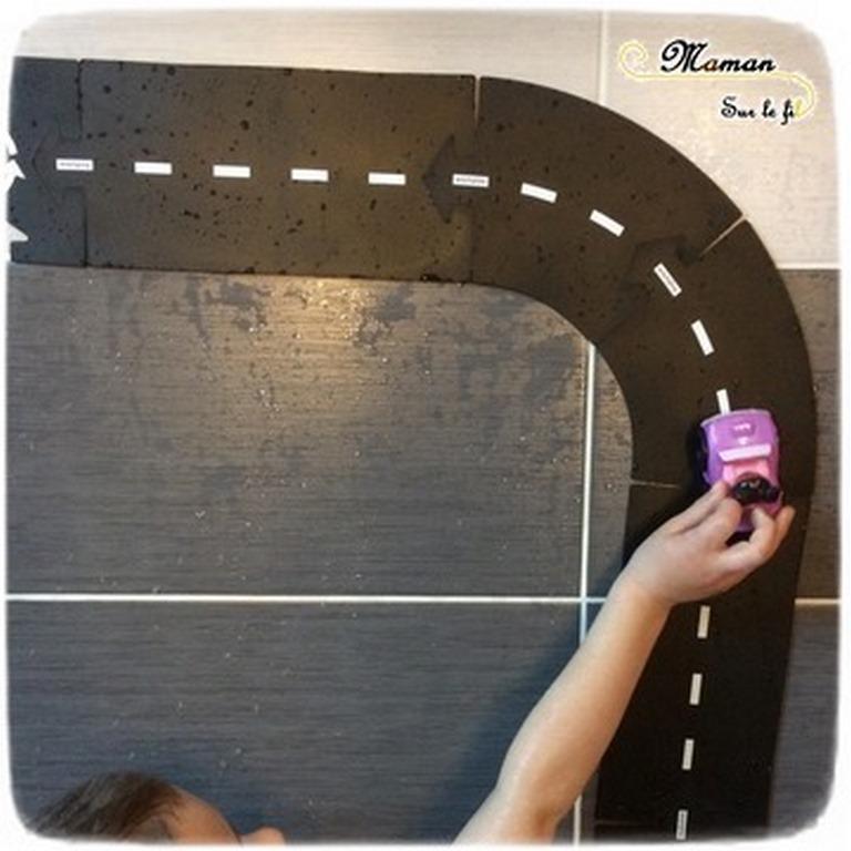 Activité enfants - bain sensoriel sur le thème des voitures et véhicules - Circuit, routes Way to Play - Sensoriel - Jeu, imagination, invitation à jouer - mslf