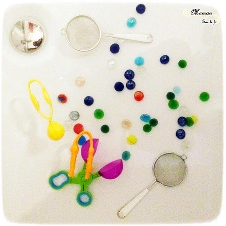 Activité enfants - bain sensoriel Spécial Motricité Fine - Pierres plates, pinces, épuisettes - Jeu, imagination, invitation à jouer - mslf